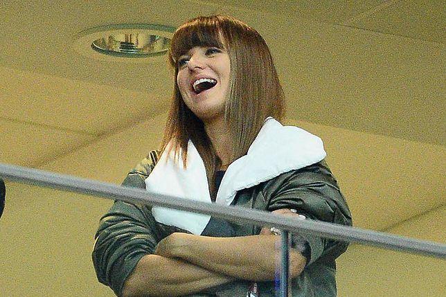 Anna Lewandowska na trybunach Stadionu Narodowego