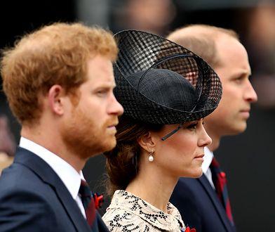 Rudowłosy Harry to niesforny dzieciak na dworze Windsorów