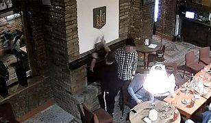 Polski student został wydalony z Ukrainy. Spalił symbol narodowy