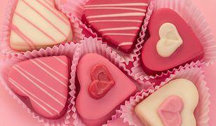 Serce z czekolady będzie fajnym prezentem dla mamy