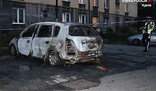 Nikt nie chciał pomóc dziecku z płonącego auta