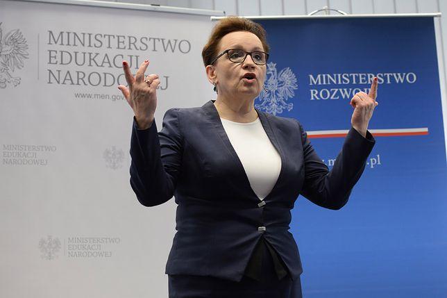 Pieniądze z PCK przekazano na kampanię Anny Zalewskiej? Minister edukacji zaprzecza