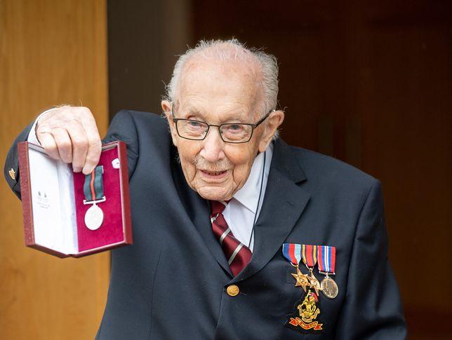 Koronawirus. Wielka Brytania. 100-letni weteran otrzyma tytuł szlachecki