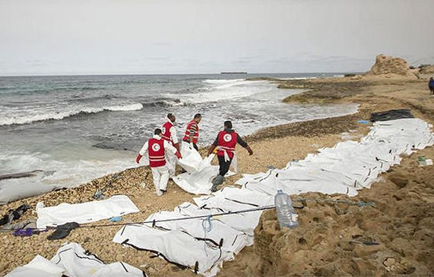 Ciała migrantów na wybrzeżu Libii
