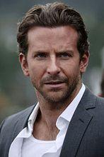 ''American Sniper'': Bradley Cooper mistrzem snajperów