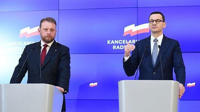 Łukasz Szumowski i Mateusz Morawiecki na konferencji prasowej dotyczącej odmrażania gospodarki.
