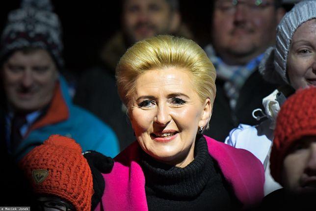 Najnowszy sondaż. Agata Duda powinna dostawać pensję? Polacy odpowiedzieli