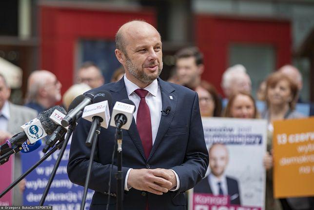 Wybory w Rzeszowie. Sondaż wskazuje zdecydowanego lidera / Na zdjęciu Konrad Fijołek, kandydat KO, Polski 2050, Lewicy i PSL