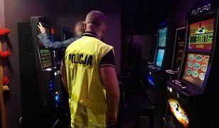 Śląsk. Funkcjonariusze KAS i policji mogą się pochwalić sporymi osiągnięciami w walce z nielegalnym hazardem.