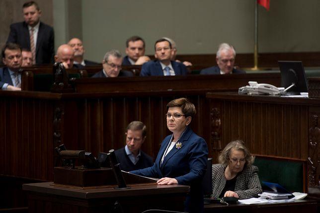 Beata Szydło przedstawia audyt PO-PSL
