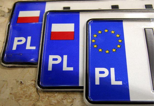 Tablice rejestracyjne, PAP, Fot.: Mirosław Trembecki