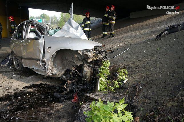 Śmiertelny wypadek na Śląsku. Kierowca uderzył w filar wiaduktu