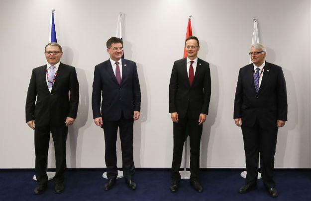 Ministrowie spraw zagranicznych od prawej: Polski Witold Waszczykowski, Węgier Peter Szijjarto, Słowacji Miroslav Lajcak i Czech Lubomir Zaoralek