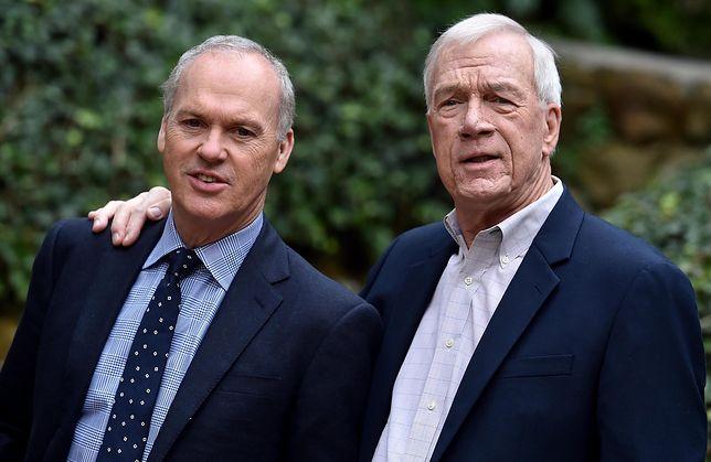 """Dziennikarz """"Boston Globe"""" Walter Robinson (P) i aktor Michael Keaton, który wcielił się w rolę Robinsona w filmie """"Spotlight"""""""