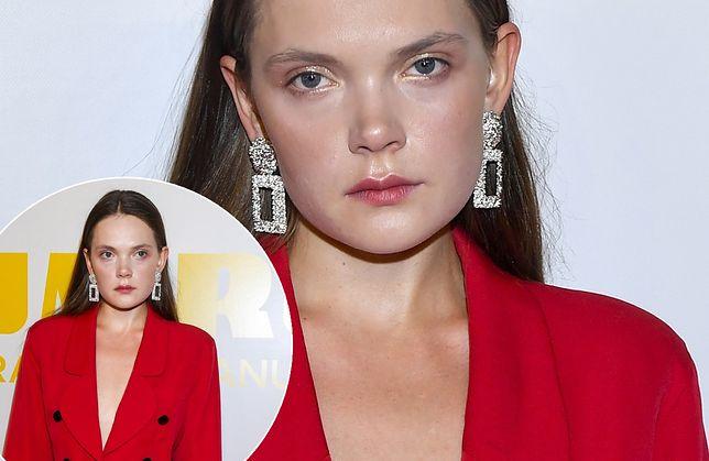 Sandra Drzymalska na czerwonym dywanie stawiła się ubrana w krótką marynarkę. Zarzuciła ją na gołe ciało