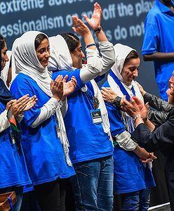 Pomogła dziesięciu Afgankom wydostać się z kraju. Teraz dostają propozycje stypendiów z najlepszych uczelni