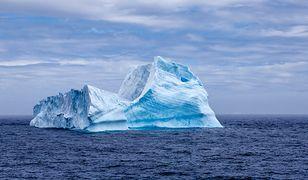 """Islandia. Naukowcy odkryli na morzu """"lodową katedrę"""""""
