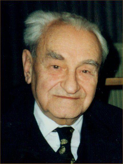 Jerzy Turowicz to polski dziennikarz, który odznaczony został Orderem Orła Białego.