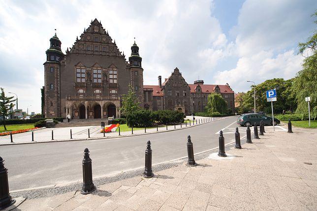 Poznań – sygnał o podłożeniu bomby. Ewakuowano aulę UAM w czasie inauguracji roku akademickiego