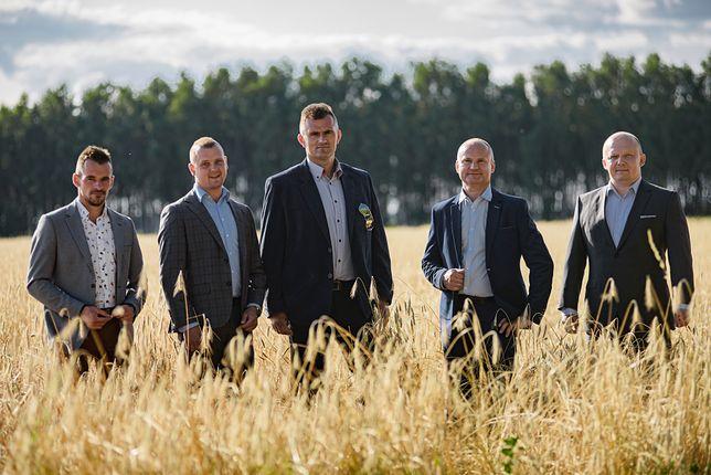 """W poszukiwaniu miłości. 6. edycję programu """"Rolnik szuka żony"""" uważamy za oficjalnie rozpoczętą"""