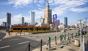 Koronawirus w Warszawie. Na drogach mniejszy ruch, ale niewiele bezpieczniej