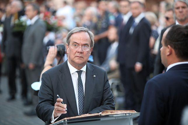 Premier Nadrenii Północnej-Westfalii Armin Laschet podczas uroczystego Apelu Pamięci