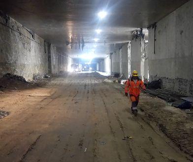 Warszawa. Trwa budowa najdłuższego tunelu w Polsce