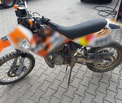 Policjanci z Otwocka zatrzymali pijanego motocyklistę, jadącego bez dokumentów.