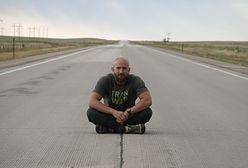 """Ciężarówką pokonuje tysiące kilometrów amerykańskich autostrad. """"Ludzie to esencja podróżowania"""""""