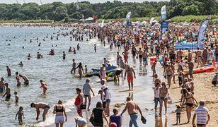 Wakacje 2020. W letnim sezonie może być 3 razy mniej osób na plaży niż zazwyczaj. Nowe zalecenia