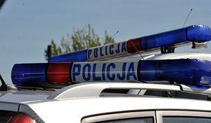 Tragiczny wypadek w Bytomiu. Nie żyje 22-latek. Wjechał prosto w drzewo