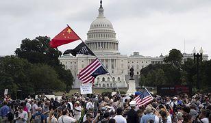 USA. Przed Kapitolem odbył się protest w obronię uczestników zamieszek