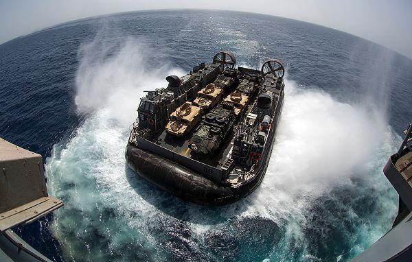 LCAC - poduszkowce amerykańskiej marynarki wojennej