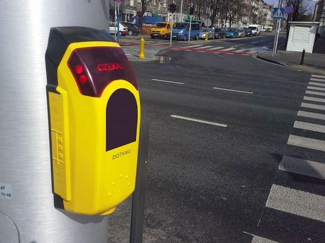 """Europa już ich nie chce, Warszawa kupuje coraz więcej. Te urządzenia """"utrudniają życie pieszym""""?"""