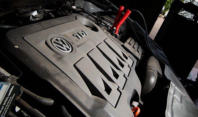 Włosi twierdzą, że naprawione diesle Volkswagena dalej nie spełniają norm