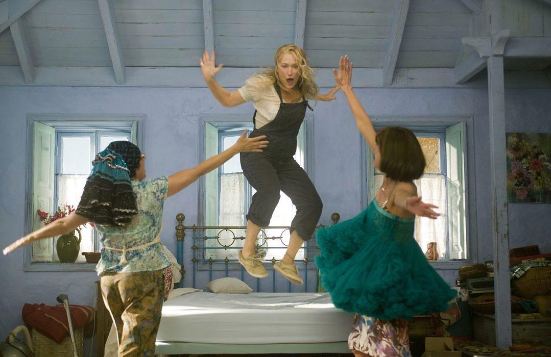 """""""Mamma Mia! Here We Go Again"""" Kultowy musical powraca w wielkim stylu"""