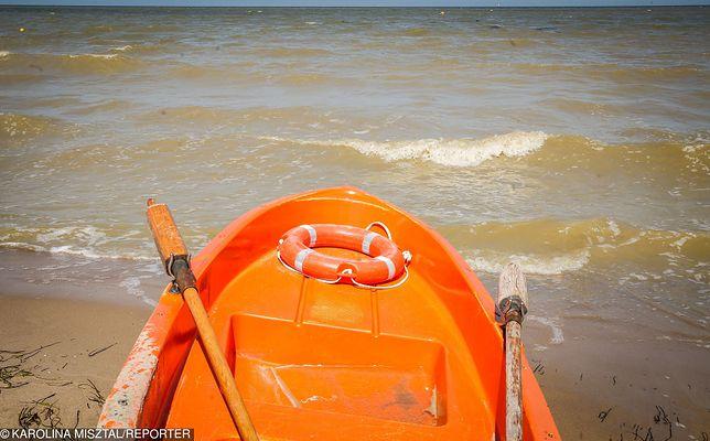 Troje ludzi kąpało się w nocy w morzu po alkoholu