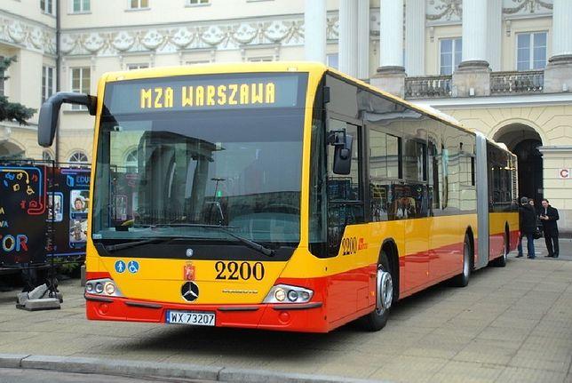 Autobusy Mercedes po 73 latach w Warszawie