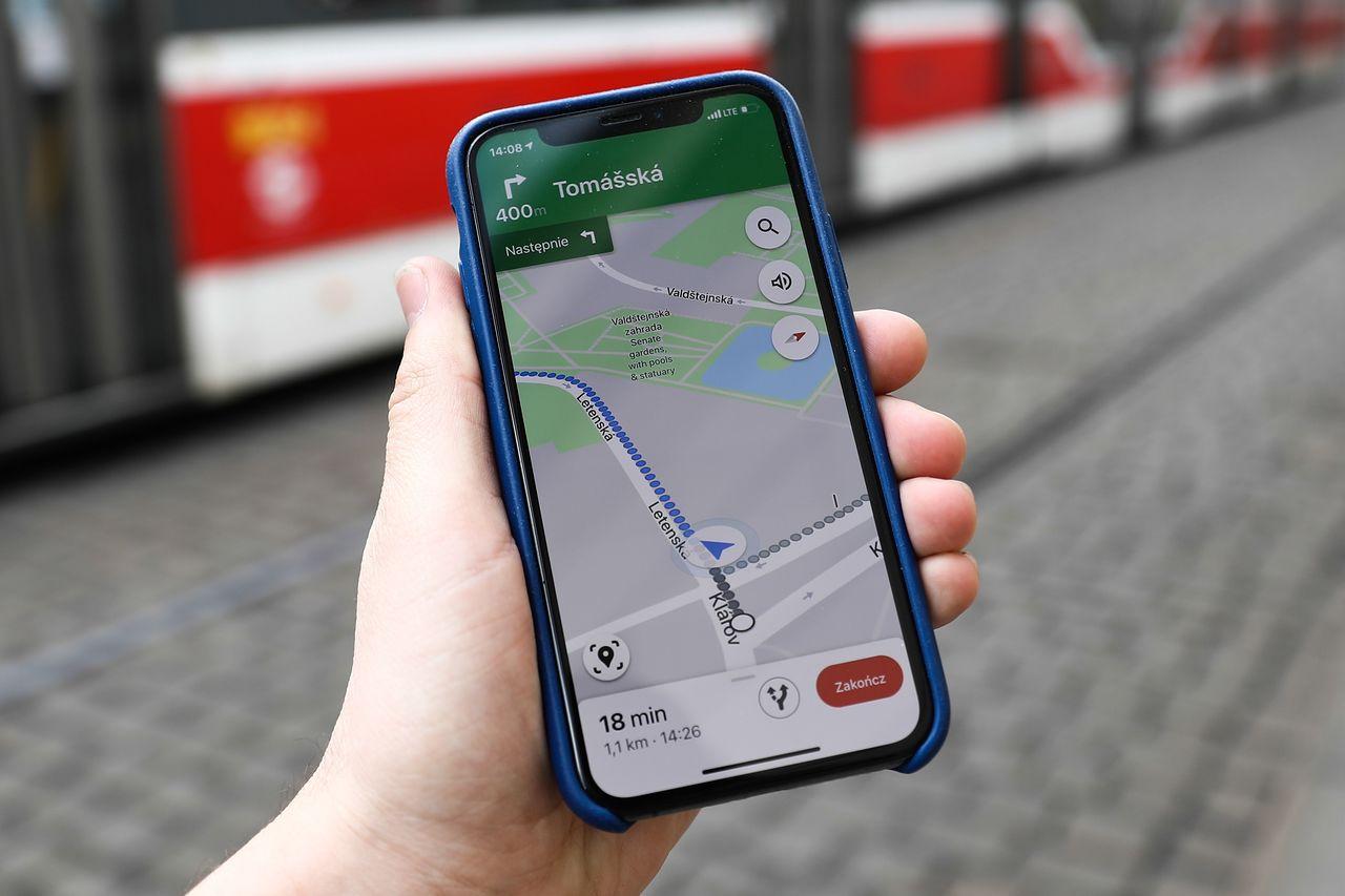 Mapy Google straszą. Kierowcy skarżą się na dziwny głos w aplikacji - Mapy Google