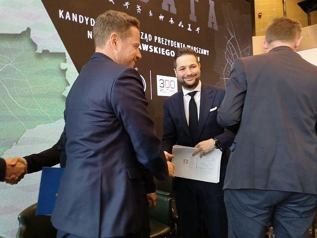 Rafał Trzaskowski i Patryk Jaki - pierwszy uścisk dłoni w tej kampanii