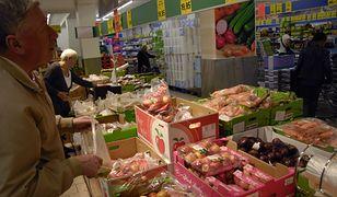 Brytyjski Lidl sprzedaje za grosze ''wadliwe'' owoce i warzywa. Wyglądają gorzej, ale nadają się do spożycia