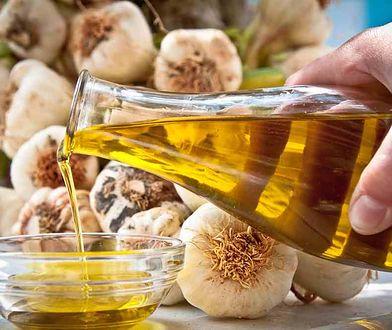 Bułka z masłem: Jak przygotować oliwę smakową?