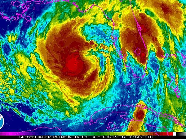 Sztorm Isaac na zdjęciu satelitarnym