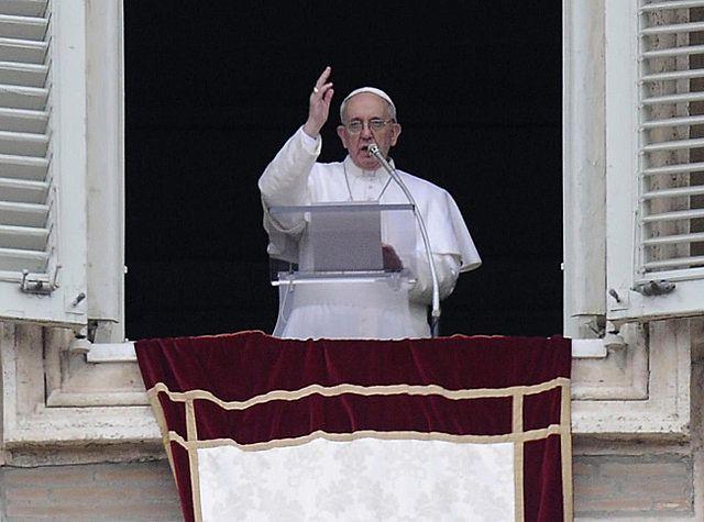 """Papież życzył wiernym """"dobrej niedzieli i smacznego obiadu"""""""