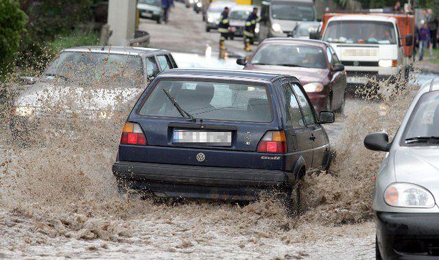 Jak nie kupić auta po powodzi