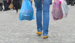 Od 1 września torby powyżej 50 mikrometrów również będą płatne.