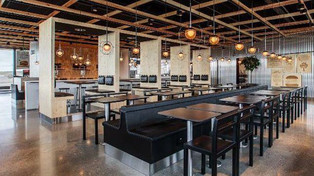 Wystrój restauracji Max Burgers reprezentuje słynny szwedzki minimalizm połączony z funkcjonalnością.