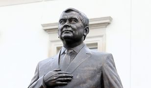 Wojciech Engelking: Fikcyjne obchody, prawdziwy pomnik