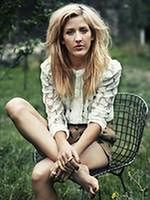 ''About Time'': Ellie Goulding śpiewa dla Domnhalla Gleesona i Rachel McAdams
