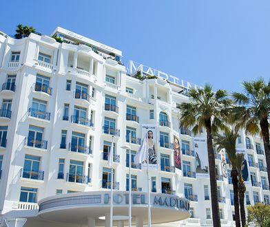 Mężczyzna oszukał hotel na kilkadziesiąt tysięcy euro